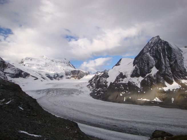 les Combins, leurs glaciers, depuis le col des Otanes
